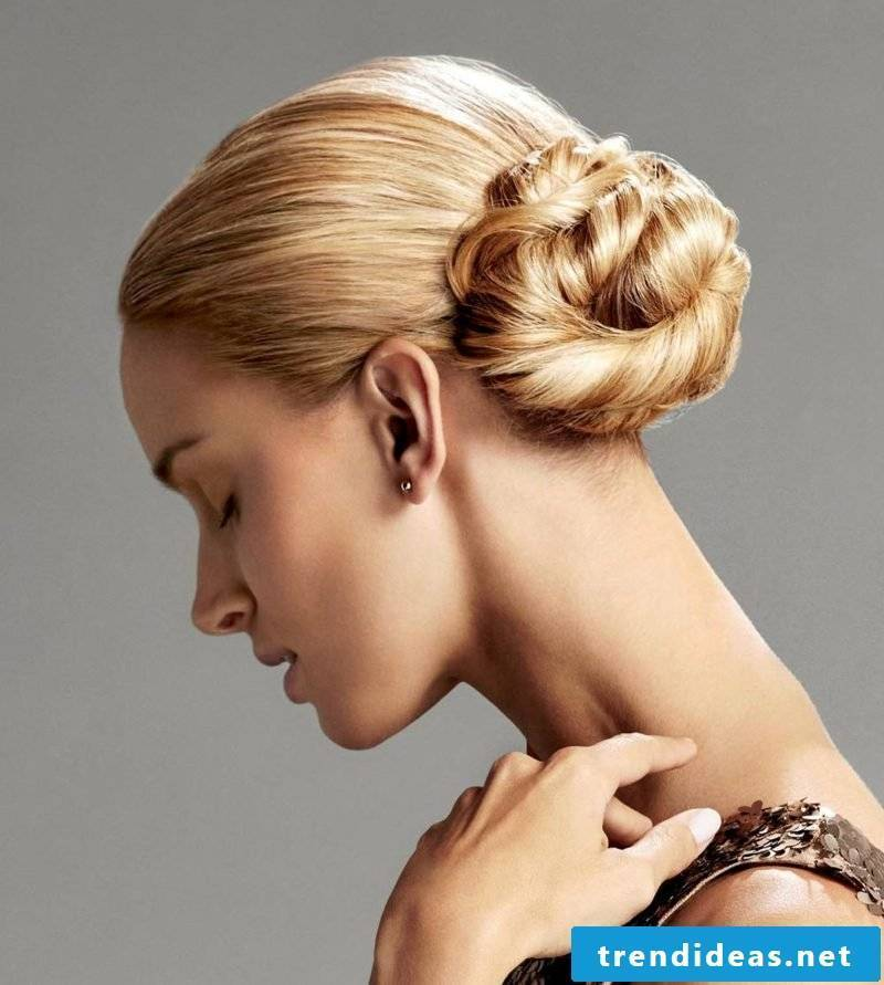 shoulder length hairstyles lateral bun