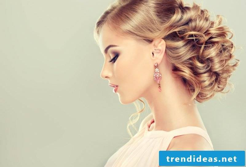 Updo with curls DIY