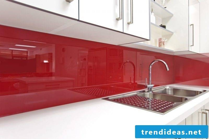 Splash guard for kitchen with red acrylic glass