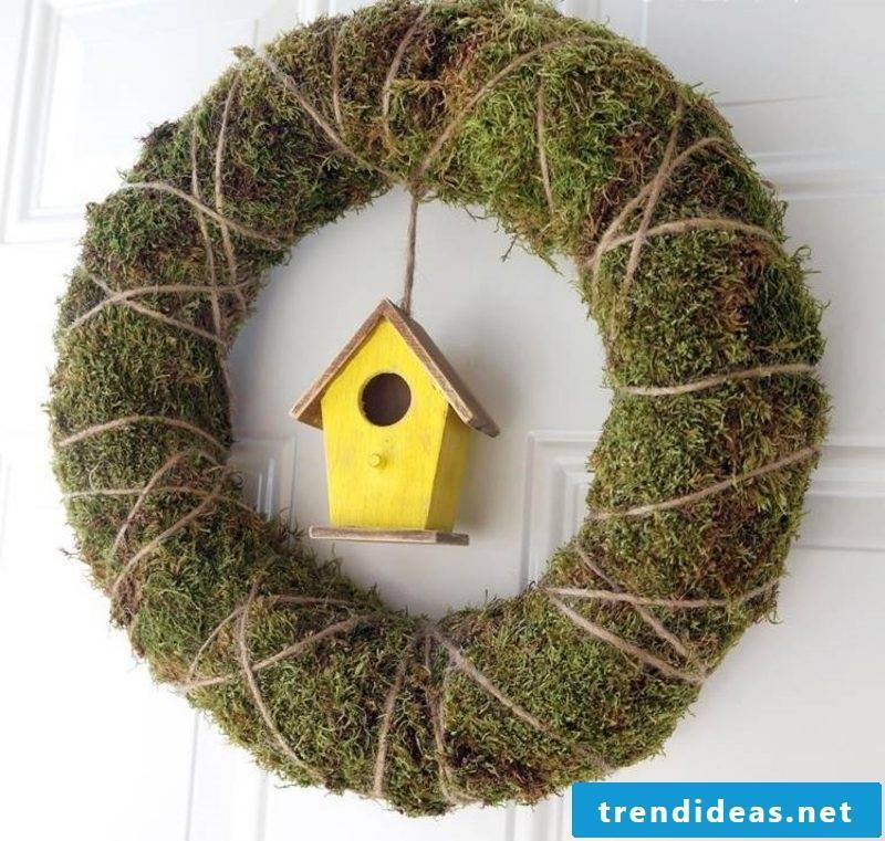 Spring crafts original wreath of moss