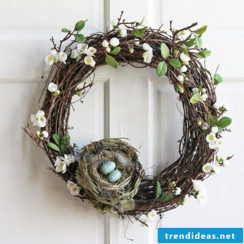 Spring wreath with bird's nest