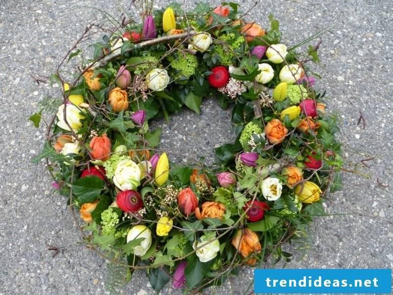 Spring tinker floral wreath