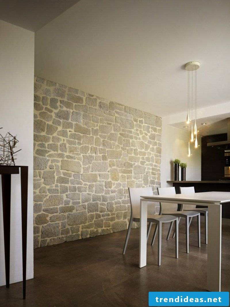 Dining area stone look with wall cladding