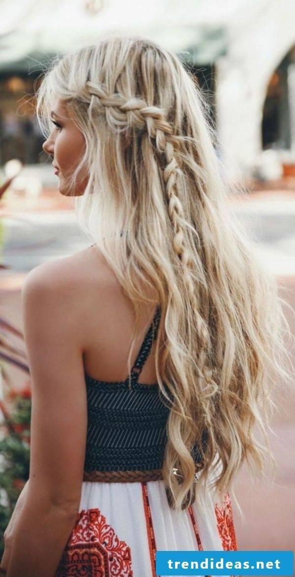 Sun and beach in the hair - beach ideas