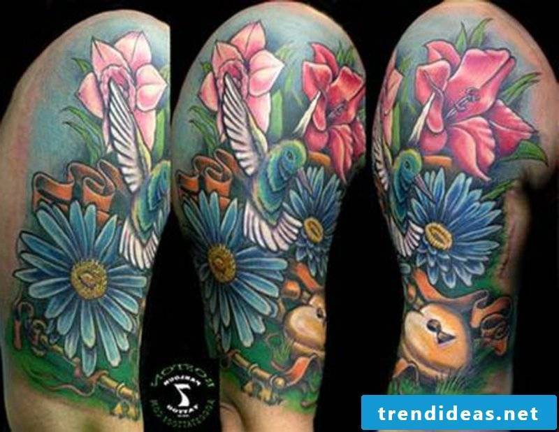 tattoo hummingbird-BostonR_Hummingbird_and_flowers