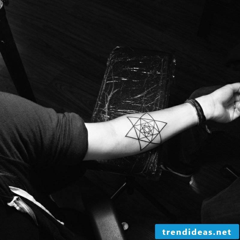 Tattoo star forearm geometric design
