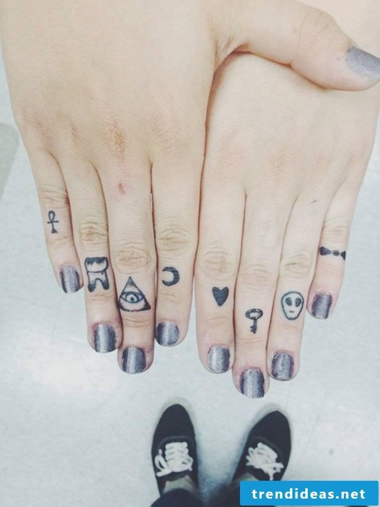 Finger tattoo on each finger