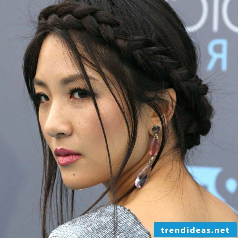 simple hairstyles medium-length hair Octoberfest