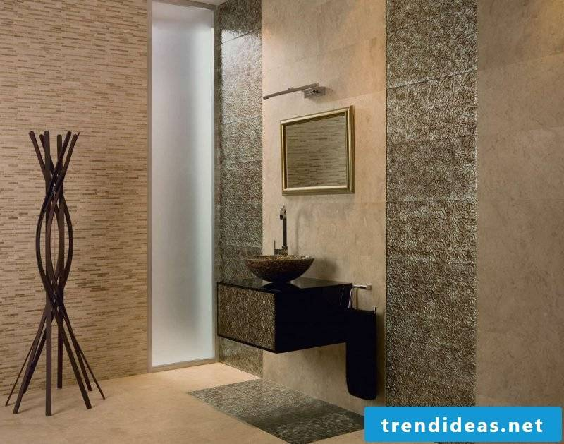 Wall panels with stone look in the bathroom