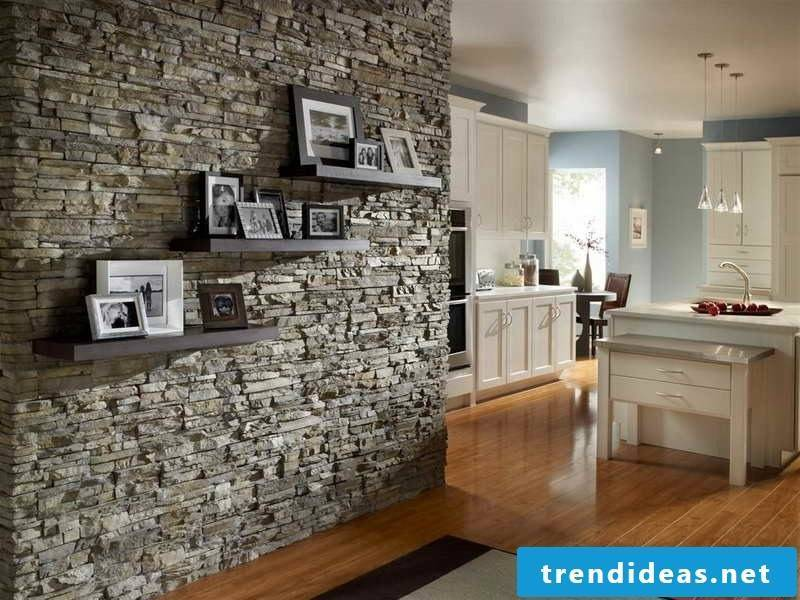 Wall panels with stone look as a separation