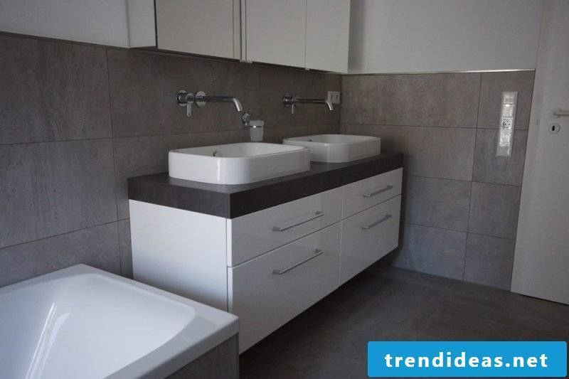 Tiles in concrete look for modern bathroom