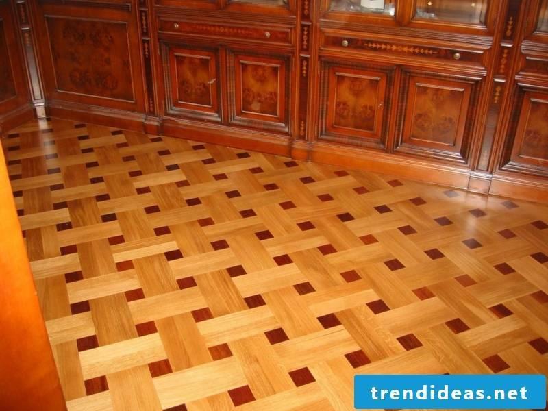 Square decoration on the parquet floor