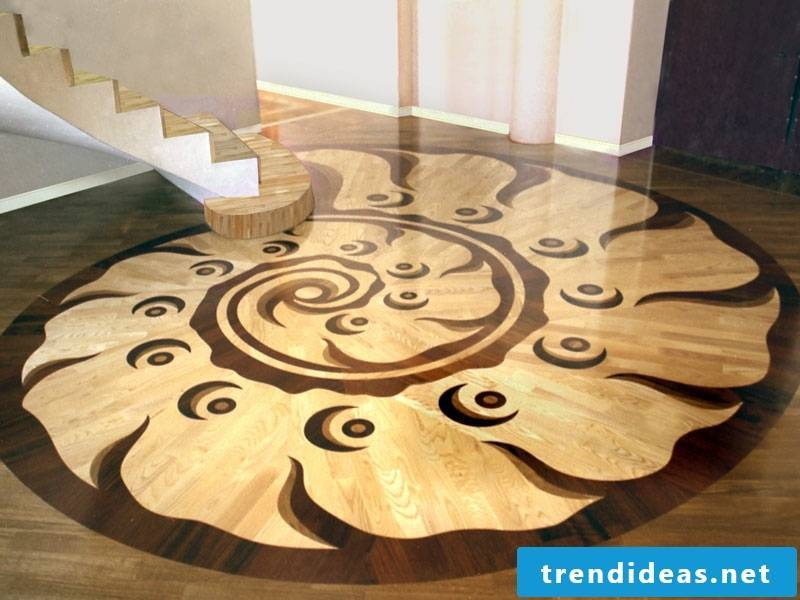 Snail decoration on the parquet floor