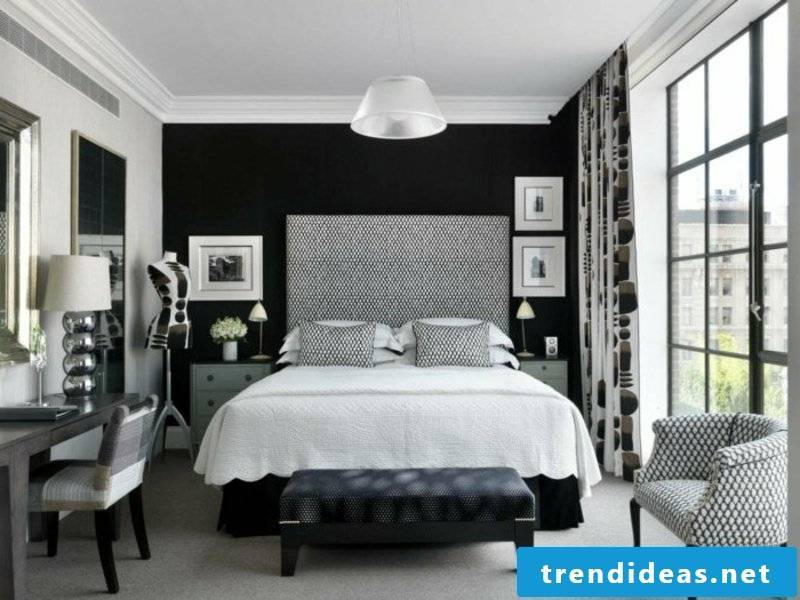 black accent in the bedroom