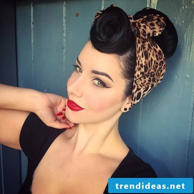 The beautiful Bandana hairstyles can be found here with instructions