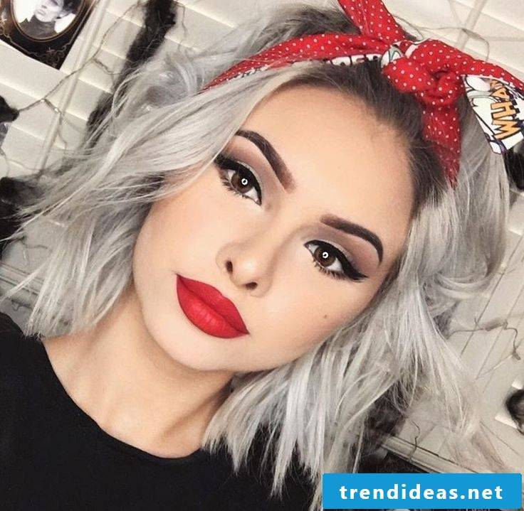The Rockabilly hairstyle embodies a combination of elegance, self-confidence and daring.
