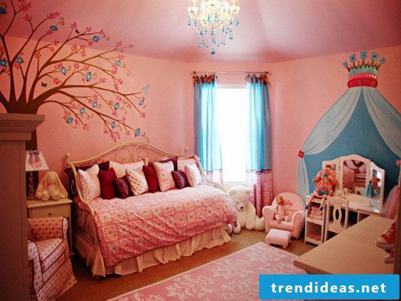 modern pink nuances in the nursery