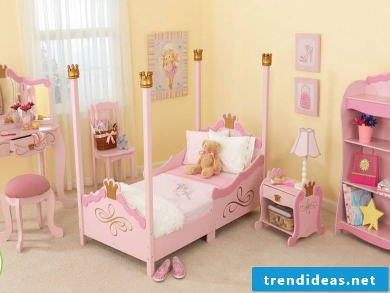peach color in the girl's room