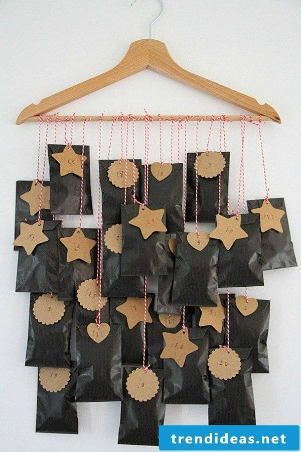 Make advent calendars yourself with hangers