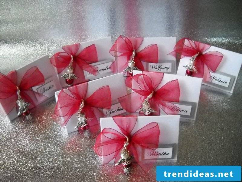 wedding cards, tinker table card as party favors with red