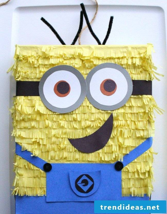 Instructions for Minon Pinata make yourself: Craft ideas for a birthday
