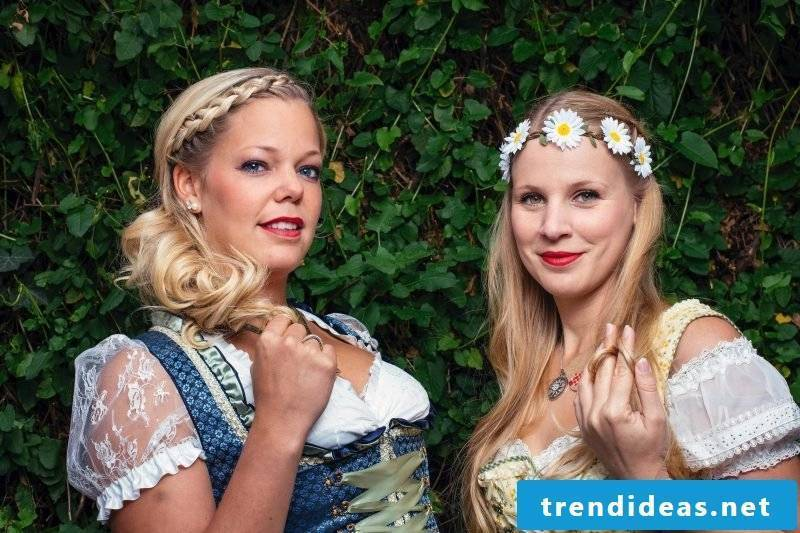 decorated costume hairstyles