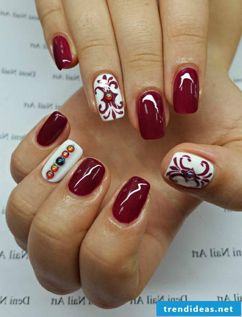 Nail art design for Christmas dark red
