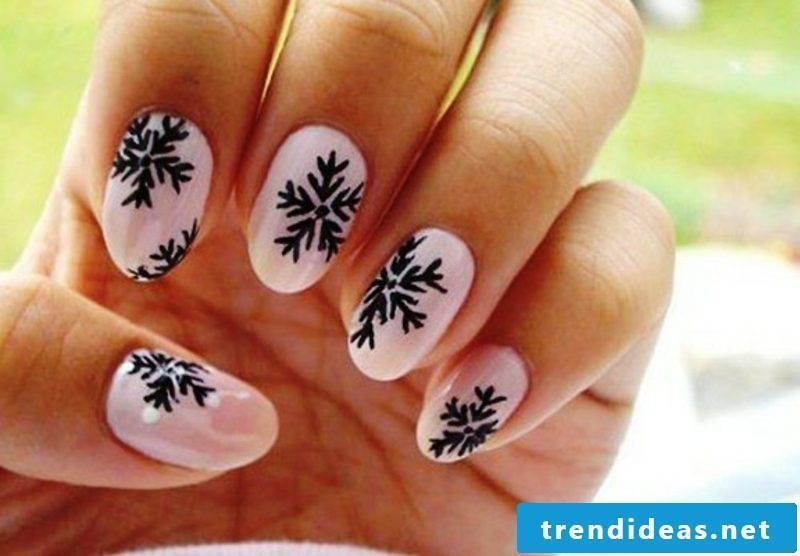 nail design christmas black snowflakes