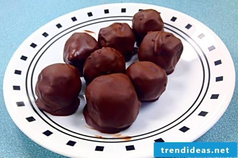 Flourless Chocolate-Dipped Cookie Dough Bites