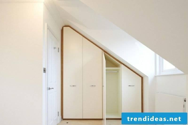 Wardrobe under sloping roof walkable