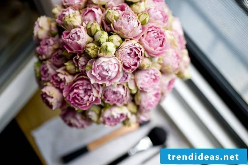 wedding flower arrangements tenderly