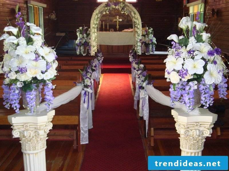 wedding flower arrangements purple