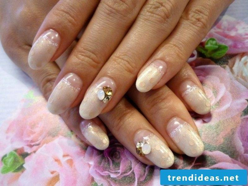 Wedding nails gorgeous design rhinestones nail polish cream color