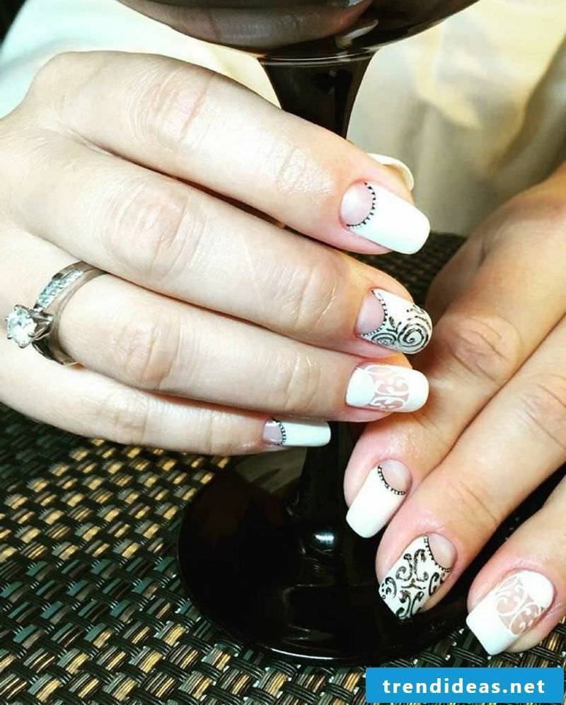 Bridal nails in black and white great patterns modern look