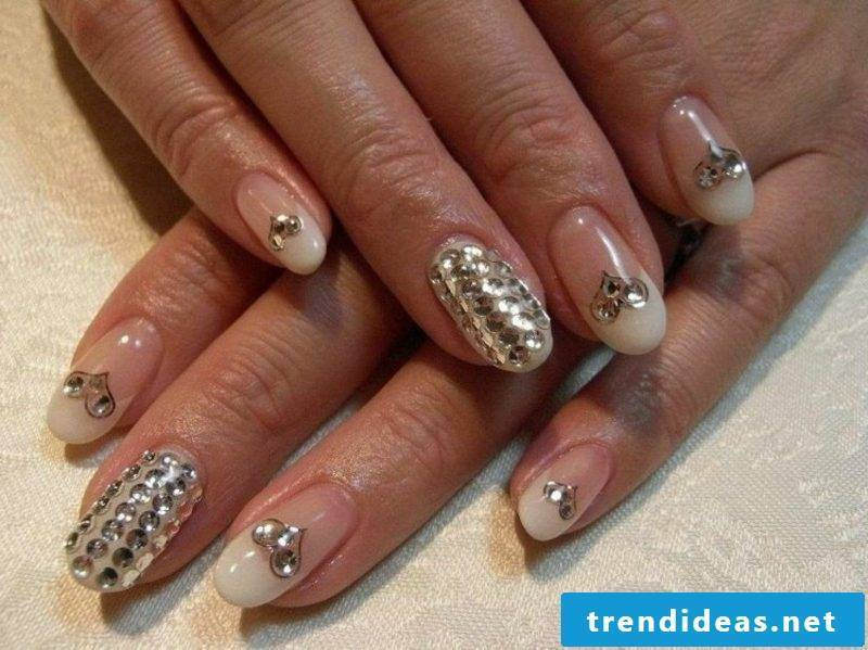 Nail art wedding with sparkles