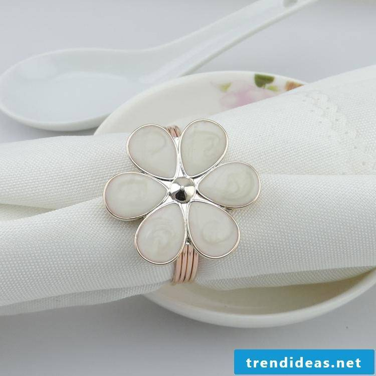 decent wedding napkins
