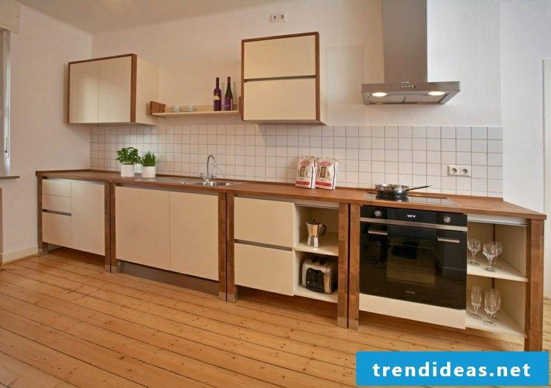 Modular kitchen made of wood pleasant color scheme