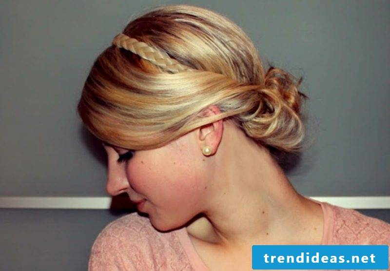 Hairband hairstyle elegant look