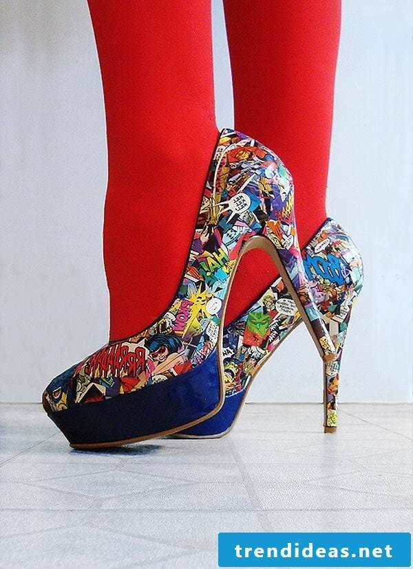 Highheel in comics style - spice up your old high heels with our DIY guide