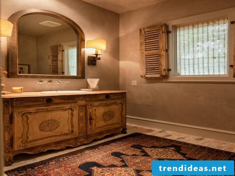 Wooden blinds in the bathroom - why not?