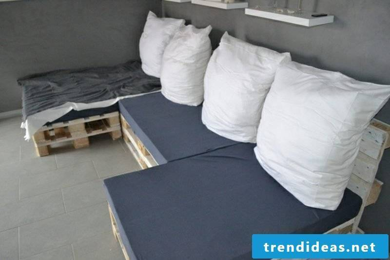 Pallet sofa build instructions DIY creative ideas